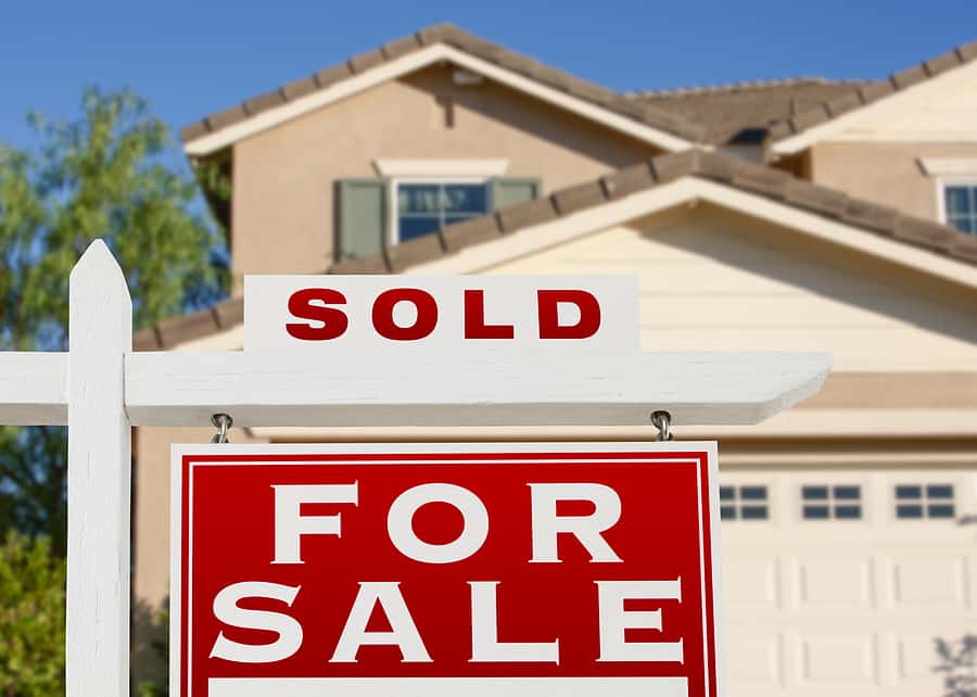 Pending home sales fall unexpectedly in October