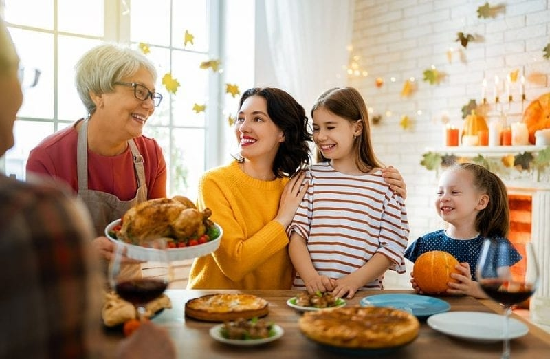 Ballwin, MO: Candicci's is Offering Thanksgiving Meal for Carry or Delivery