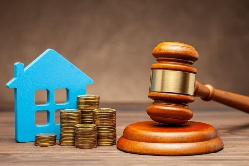 Should You Sell Your Home Before or After Divorce?