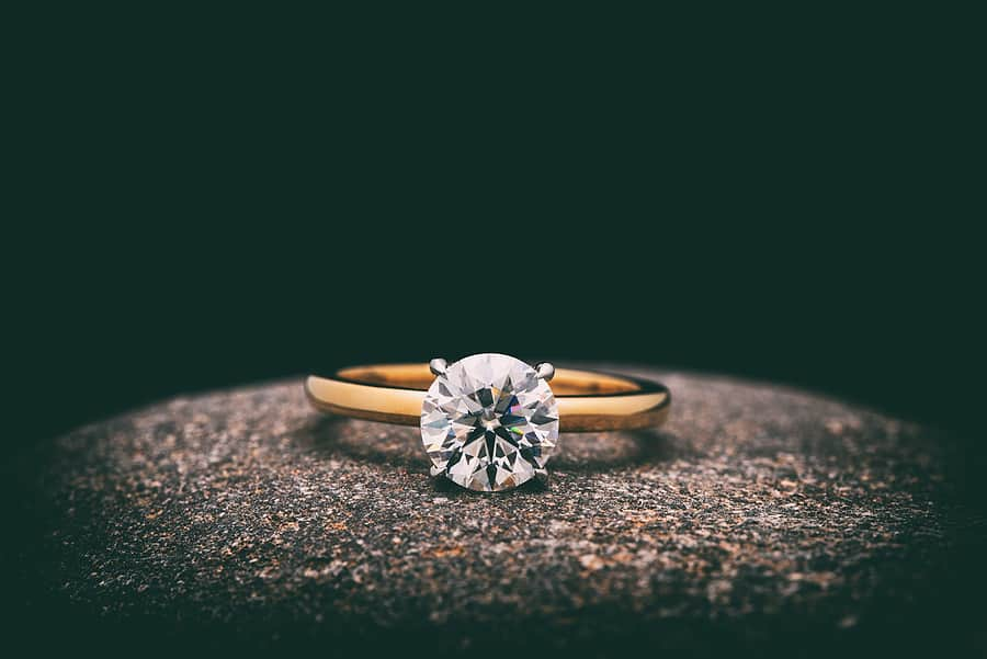 Essential Engagement Ring Shopping Tips